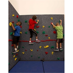Everlast Climbing Magna® Traverse Wall® 8' x 40' Package with Cordless Mat-Locking System